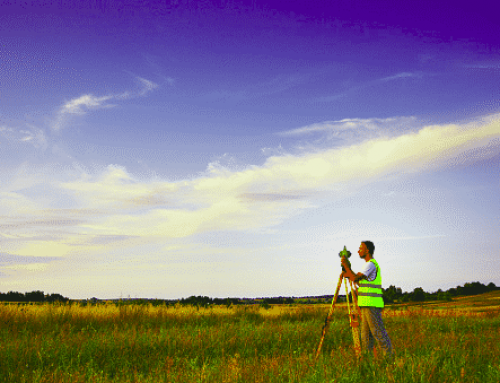 Does a Buyer or Seller Pay For a Land Survey?
